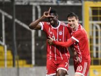 v li Kwasi Okyere Wriedt Bayern München FCB 7 Milos Pantovic Bayern München FCB 10 mit Tor; Fußball