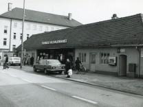 Pasinger Archiv Viktualienmarkt mit Buchstaben