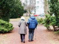 Linke lassen Rente berechnen: Ungleichheit trotz Gleichstellung