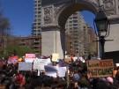 USA: Tausende demonstrieren am Columbine-Jahrestag gegen Waffengewalt (Vorschaubild)