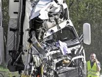 Feuerwehr - Gefahrgutunfall; Unfall an der A8