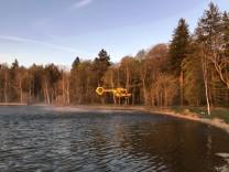 Hubschraubereinsatz zur Rettung eines Stand Up Paddlers am Starnberger See