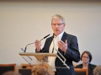 """Alexander Reissl bei Stadtratshearing zum Thema """"Wohnungsbau"""" in München, 2017"""