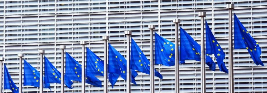 Europafahnen sind aufgezogen am 10 02 2017 vor der EU Kommission in Brüssel Bruxelles Brussels am