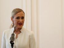 Madrid's regional President Cristina Cifuentes announces her resignation in Madrid
