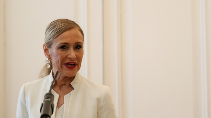 Madrid's regional President Cristina Cifuentes announces her resignation in Madrid