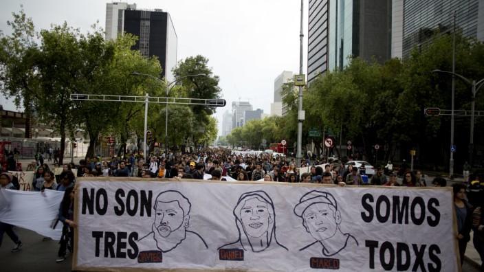 Proteste nach Verbrechen an Studenten in Mexiko