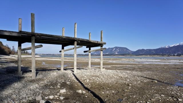 04 03 2018 Forggensee in Bayern Der künstliche Stausee bei Füssen im Allgäu ist ein beliebtes Ausf