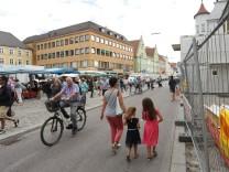 Freising verbannt samstags Autos aus der Innenstadt.