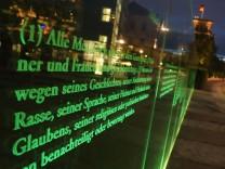 Zitat aus dem Grundgesetz in Berlin