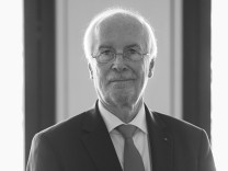 Harald Range; IPO