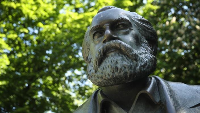 Karl Marx 200th Anniversary Birthday Nears