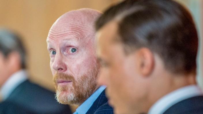 Prozessauftakt gegen Ex-FC-Bayern-Vorstand Sammer