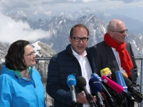 SPD And CDU/CSU Bundestag Factions Meet On Zugspitze Mountain