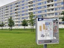 Dresden Plattenbausiedlung und Zigarettenautomat Copyright JOKER WalterxG xAllgoewer JOKER10060146