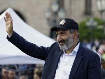 Armenische Opposition organisiert neue Massenproteste
