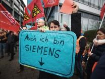 Siemens-Beschäftigte demonstrieren in Offenbach