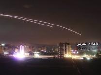 Syrien: Flugabwehrraketen über Damaskus