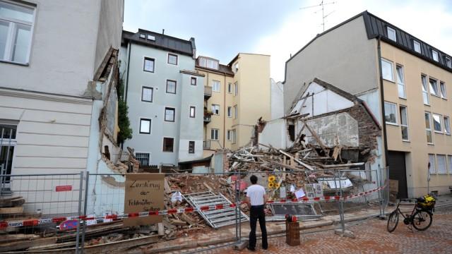 """Abriss des denkmalgeschützen """"Uhrmacherhäusls"""" in München, 2017"""
