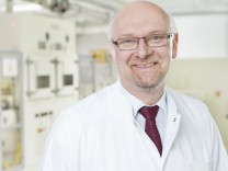 Prof. Martin Winter ist Leiter des MEET - Münster Electrochemical Energy Technology