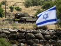 Israelischer Panzer auf den Golanhöhen