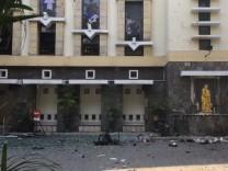 Explosionen in christlichen Kirchen in Indonesien