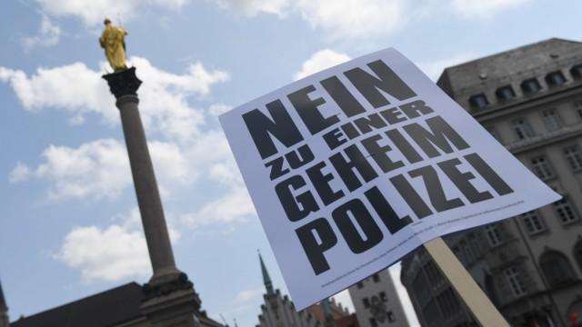 Demonstration gegen das neue bayerische Polizeiaufgabengesetz in München im Frühling 2018.