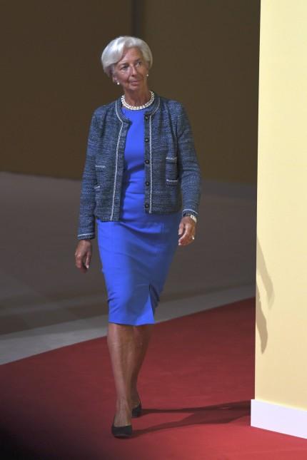 Christine LAGARDE Direktorin des IWF Internationaler Waehrungsfonds ganze Figur Ganzkoerper Frei