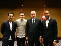 Deutsch-türkische Fußballspieler mit Erdogan