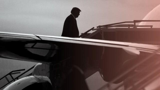 US-Präsident Donald Trump besteigt die Air Force One im US-Bundesstaat Indiana.