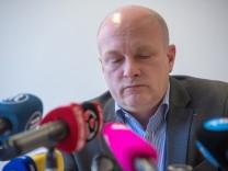 Der Regensburger Oberbürgermeister Joachim Wolbergs auf einer Pressekonferenz