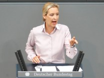 Lower house of parliament Bundestag debate on 2018 budget
