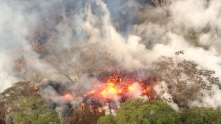 Hawaii volcano erupts, spewing lava and prompting thousands to flee