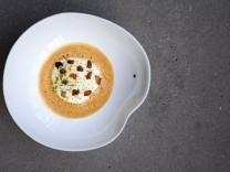 Restaurant ONE - Knollensellerie auf Parmesanschaum