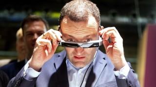 Spahn besucht 'Cube Tech Fair'