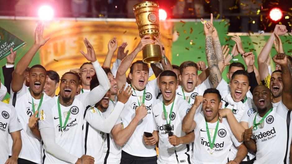 Eintracht Frankfurt gewinnt den DFB-Pokal gegen Bayern