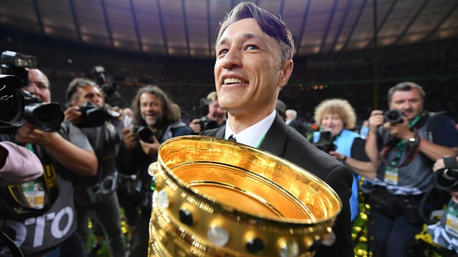 Eintracht Frankfurt - Kovac wird vom Erfolg überwältigt