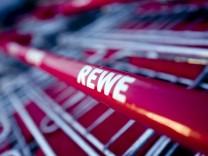 Maisach: REWE-Supermarkt / Symbol / Symbolbild