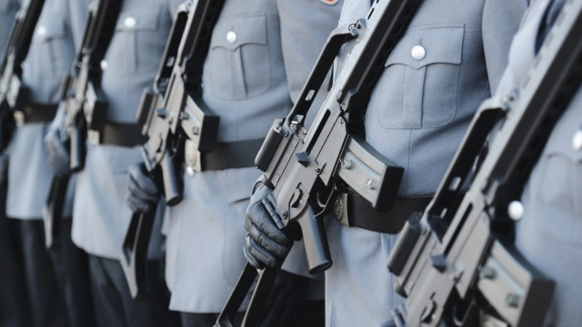 Verteidigung Bundeswehr Will Kampfdrohnen Anschaffen Politik Sz De