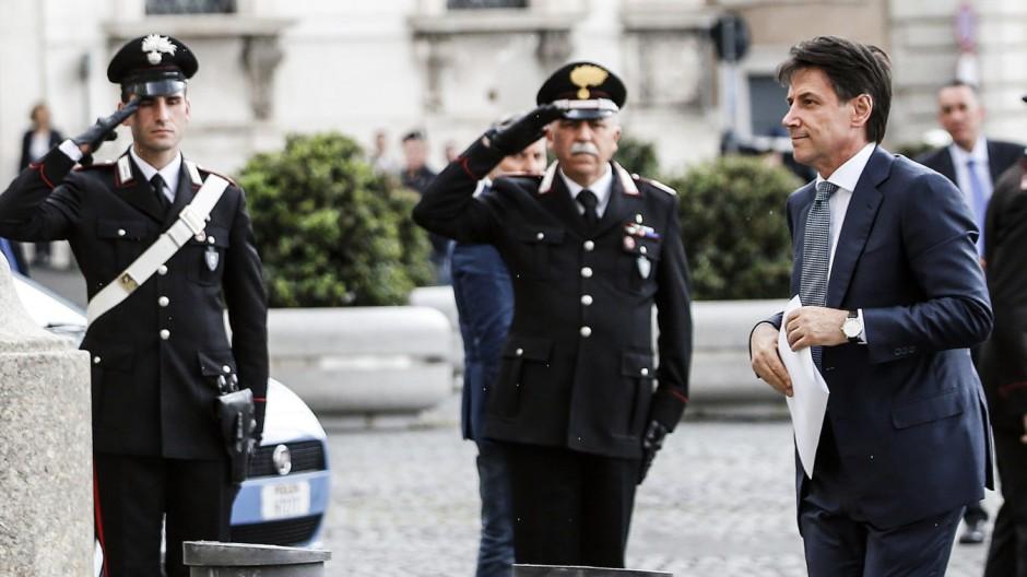 italiens-pr-sident-beauftragt-conte