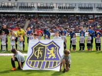 Durch einen verwandelten Foulelfmeter hat Elversberg das Finale im Saarlandpokal gegen den 1 FC Saa; 1. FC Saarbrücken