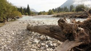 Isar Alpenfluss Gebirgsfluss Flussbett