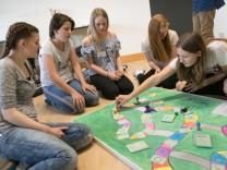 An der Aktiven Projekt-Schule Stephanskirchen bestimmt das Thema Spielen den jüngsten Projektzyklus