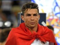 Cristiano Ronaldo von Real Madrid nach dem Gewinn der Champions League 2018 - seine Äußerungen nach dem Spiel gaben Anlass zu Spekulationen um seinen Abschied.