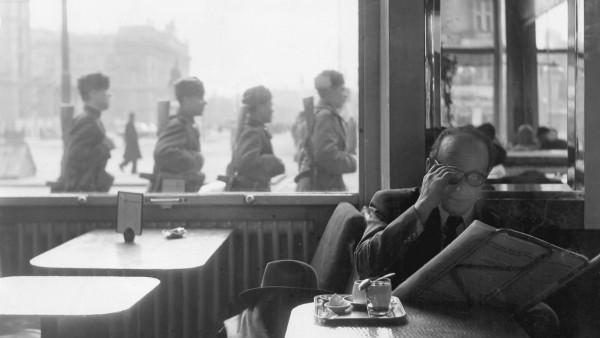 Wiener Kaffeehaus in der Nachkriegszeit, 1946-1949
