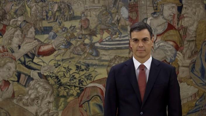 President Pedro Sanchez Is Sworn In