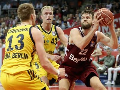 Basketball: Berliner Dreier-Hagel für den FC Bayern