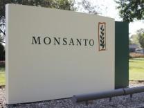 Eingangsschild von Monsanto in St. Louis - nach der Übernahme kündigt der deutsche Chemiekonzern Bayer an, den Namen des Unternehmens zukünftig nicht mehr zu verwenden.