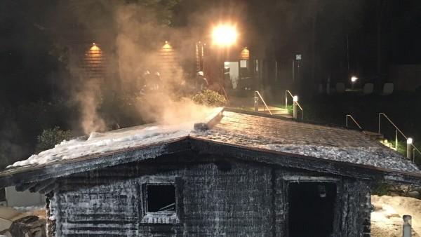 Brand zerstört Blockhaus- Sauna im Freizeitbad Aquariush Unterschleißheim