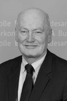 Arnold Wallraff; MEINUNG